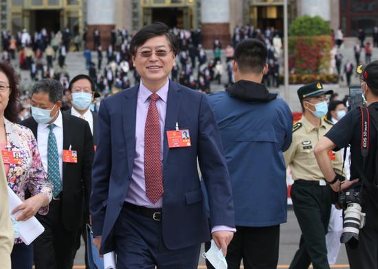 杨元庆:中国的产业链优势不是谁想搬就能搬走的