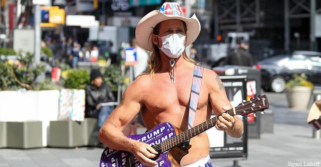 美国政府终于服软了:口罩想戴就戴吧!
