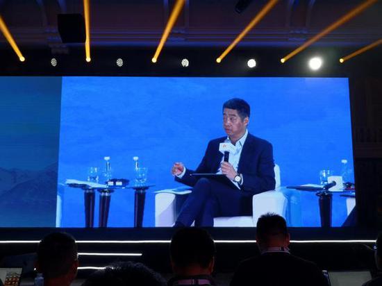 華為胡厚崑:蘋果不該缺席5G 期待其加入5G手機競爭