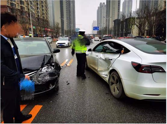 特斯拉回应西安女车主维权:事故并非质量问题导致
