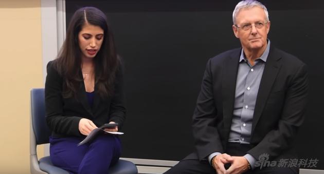 苹果公司元法律总顾问休厄尔在退休之后接受金皇朝网址登陆专访