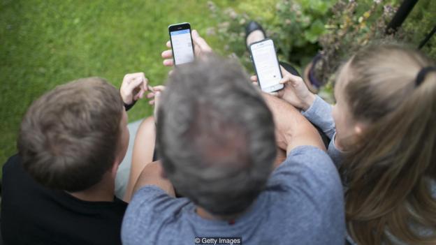 一些钻研表现,手机的存在会影响座谈质量。