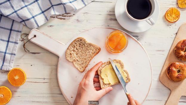一顿营养平衡的早餐有助于添添吾们的能量,同时添添夜间消耗的蛋白质和钙。