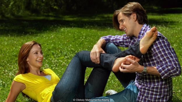 为什么我们喜欢挠痒痒的感觉?它可能是笑的原始刺激