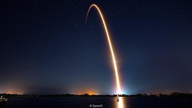随着更多的卫星进入轨道,地球周围的空间将变得越来越拥挤