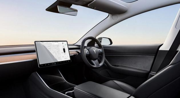 特斯拉在英国汽车市场创下月度和季度记录,主要归功于Model 3