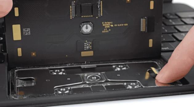 触控板是全新设计的物理点按式
