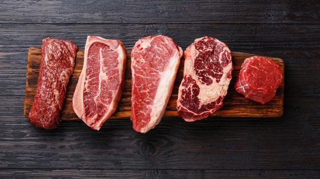 如果只吃牛肉的话,高胆固醇、癌症和寿命缩短都是非常现实的风险