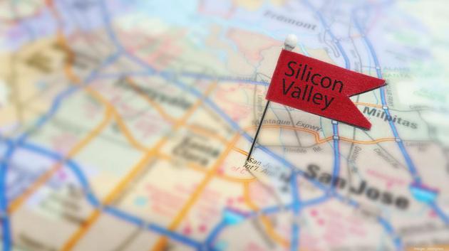 """一半是火焰 一半是海水:硅谷面临""""出逃危机"""""""