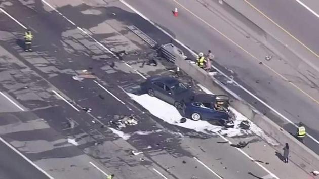 日本女司机撞23车后撞警车目击者:像电视剧(图)