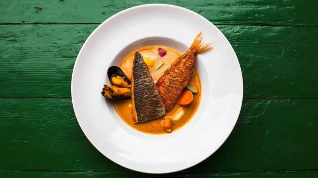跟鱼有关的饮食一般都更贵一些——所以,难道是那些吃更多鱼的人总体上收入更高、更健康吗?