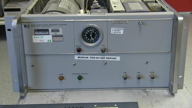 哈菲勒-基廷实验中使用的一台铯原子钟