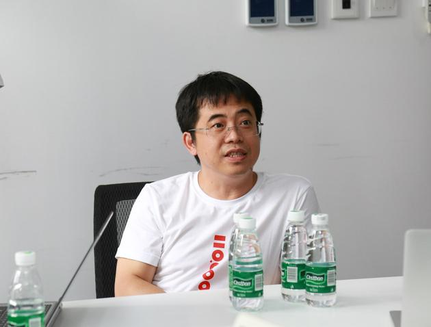 小米为红米手机1.1亿销量庆功 称下半年推出中高端产品的照片 - 2