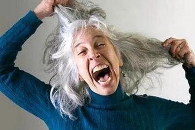 流言揭秘:白头发真的越拔越多?原来真相是 白头发 发如雪 发根 新浪科技 新浪网