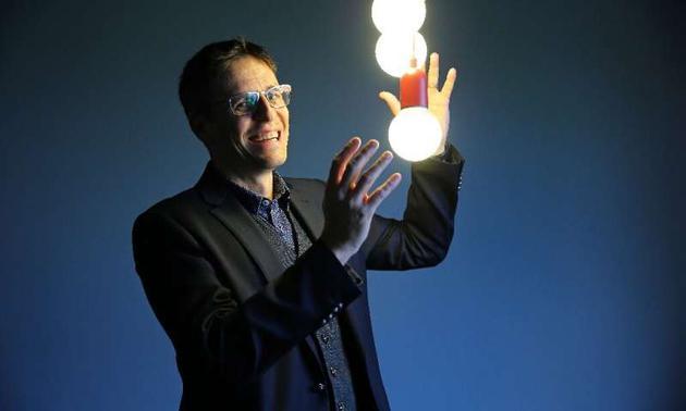 刚刚荣膺诺贝尔物理学奖的瑞士天文学家迪迪埃·奎洛兹