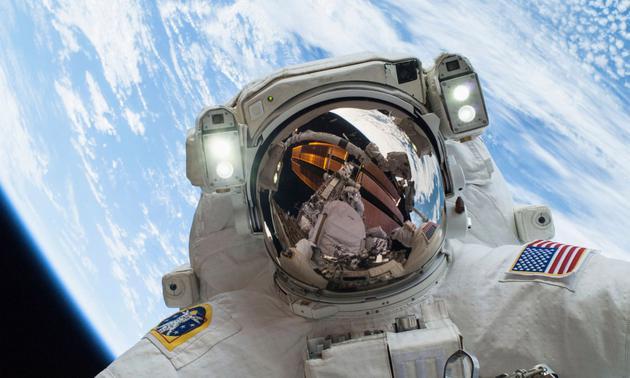 回望国际空间站二十年:耗费如此巨资是否值得?