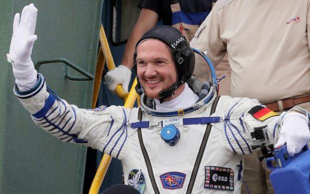 自欧洲空间局的亚历山大·格雷斯特(Alexander Gerst)将接管国际空间站,成为第二位来自欧洲的国际空间站指挥官。