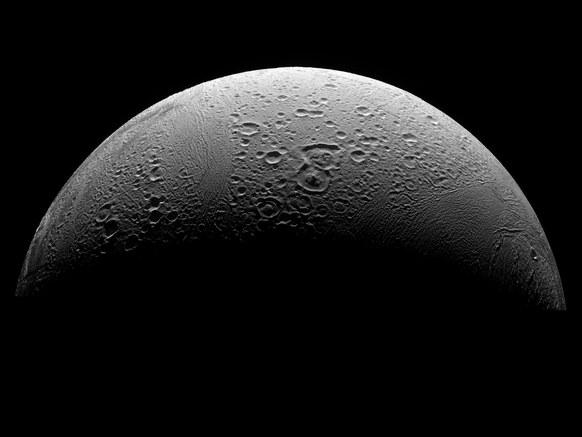 """土卫二又称为""""恩克拉多斯""""(Enceladus),是土星的第六大卫星。现在,这颗星球已经成为寻找外星生命的热点。"""