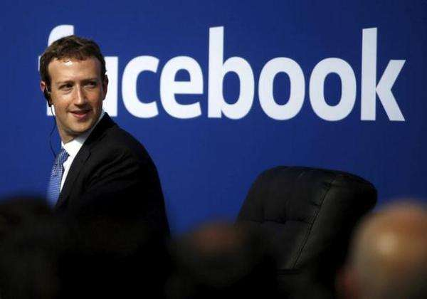 Facebook有意与Luxottica合作开发...