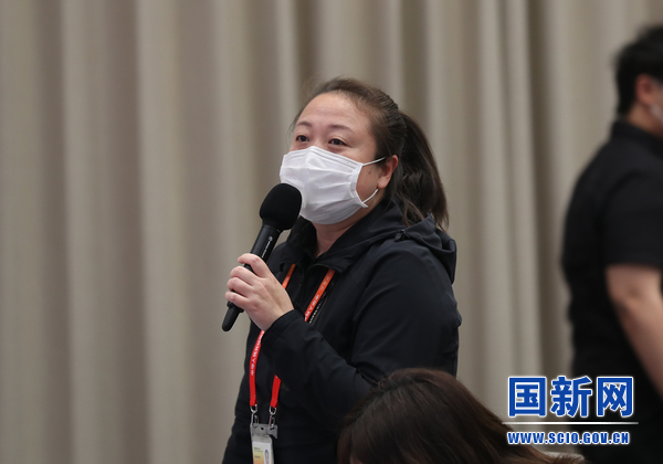 中央广播电视总台央广记者提问(刘健 摄)