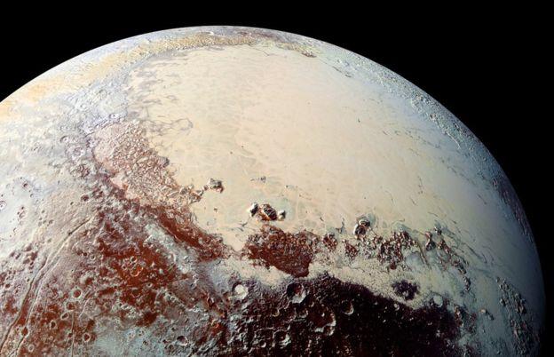 2015年7月,新视野号探测器飞掠冥王星