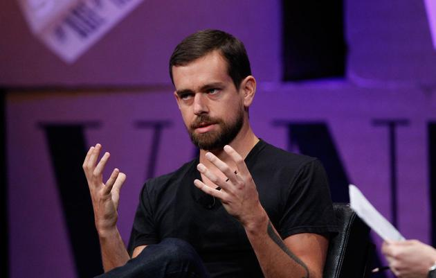 Twitter CEO推翻封杀这位右翼阴谋论者帐号的决定