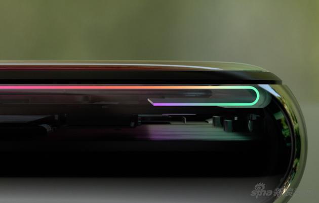 苹果iPhone X灵活利用柔性屏OLED,才做出了无下巴的iPhone