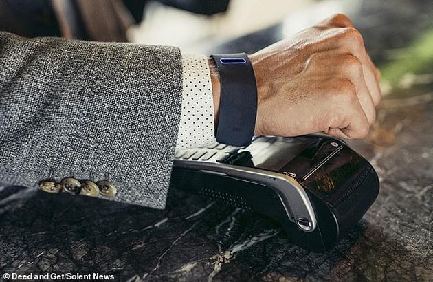 用户可以使用Get手环的语音识别技术拨打电话。它使用指纹识别激活,这意味着也可以用于非接触式支付