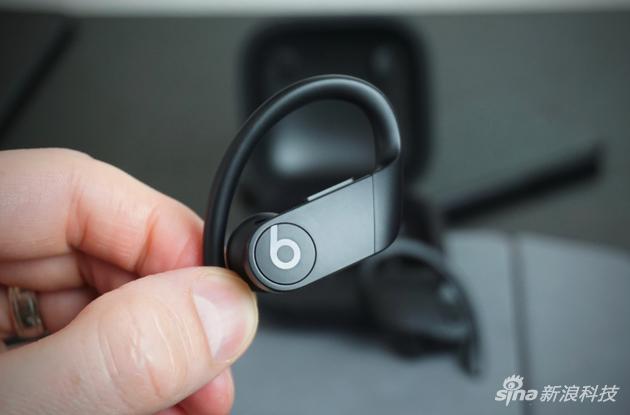 Powerbeats Pro耳机拆解:使用大量胶水,几乎不可修复