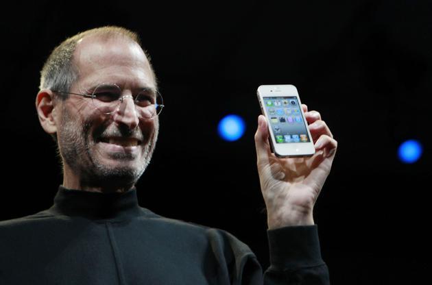 毫无疑问iPhone 4是那年手机最高水准的代表