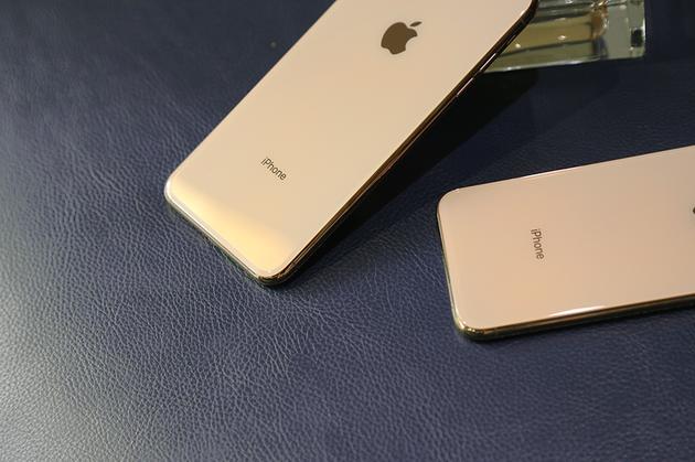 iPhone XS系列两款手机防水级别到了IP68,对比去年有提升
