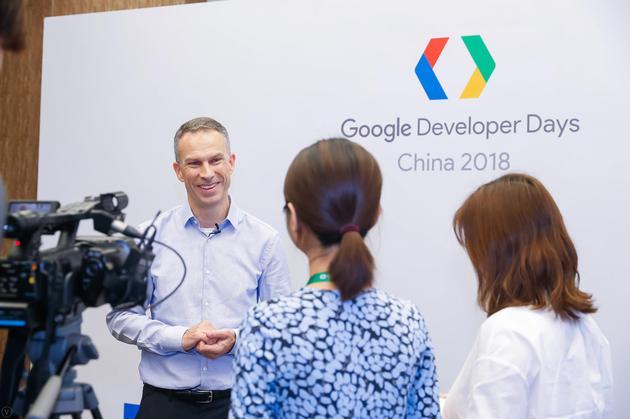谷歌大中华区总裁石博盟接受新浪科技专访