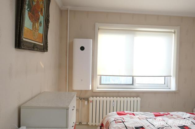 卧室面积大约18平米,总共100平米左右。
