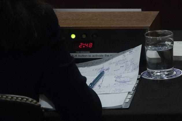 9月桑德伯格参与听证会时的笔记