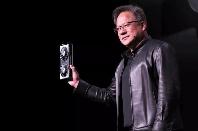 """英伟达CEO:自家显卡能""""碾压""""AMD最新款Radeon VII"""