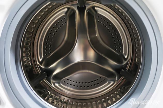 米家洗烘一体机滚筒内部