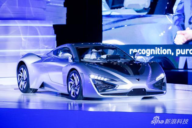 高端智能新能源品牌ARCFOX国内首发,电动跑车同台亮相