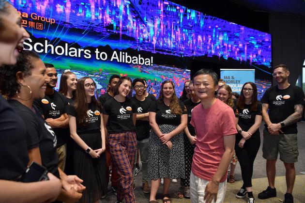 马云与29名澳洲学生聊人生:享受过程,不要放弃