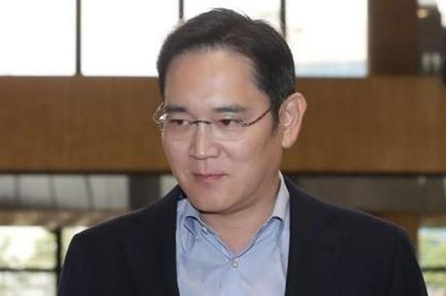 三星电子李在镕访问东京 商讨高科技材料出口问题