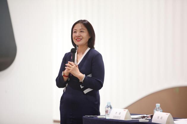 联想集团高级副总裁兼全球首席战略市场官乔健