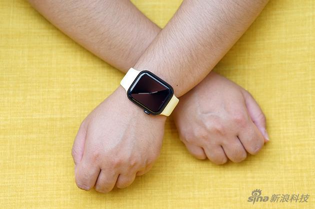 既要屏幕不熄灭,又要能省电,是第五代Apple Watch的最大改变