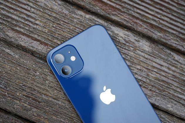 iPhone 12背部细节