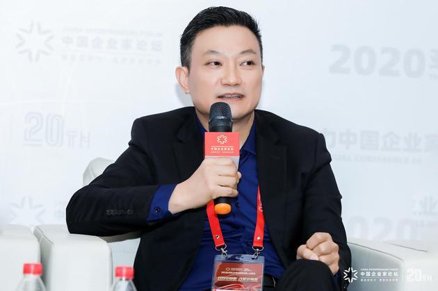 喜欢康集团创首人、董事长兼CEO张黎刚