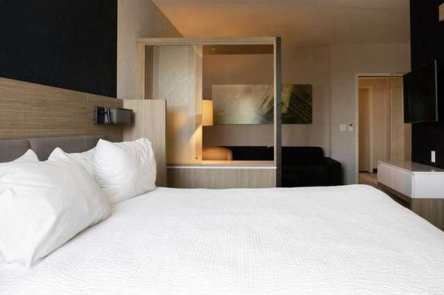旧金山为流浪汉租下的一个酒店房间