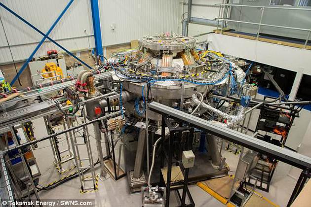 """托塔马克能源公司的研究人员正努力打造一座成本可负担的反应堆,将氢转化为性价比较高的绿色能源。此次里程碑是在一台名为ST40的原型装置中实现的。该设备是该公司实现充足、清洁的聚变能源""""五步走""""计划中的第三台设备。"""