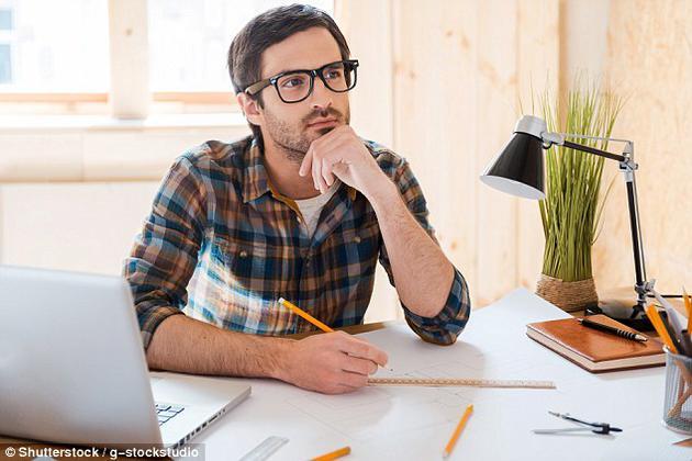 西澳大利亚大学一项研究表明,女性会因男性智商过高和长得太帅,而放弃选择。