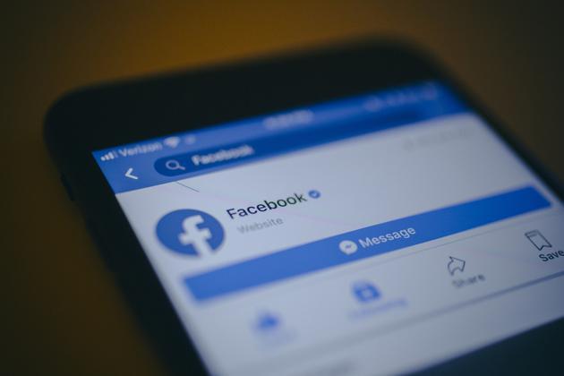 """涉嫌向""""剑桥分析""""转移数据:Facebook一名员工离职"""