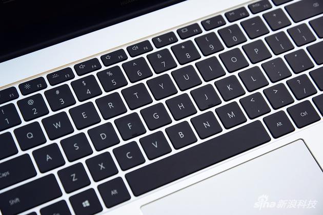 华为MateBook 13评测:硬件大升级 价格决定成败的照片 - 9