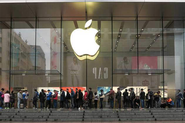 苹果每年机票费1.5亿美元 每天买50个商务舱前往上海