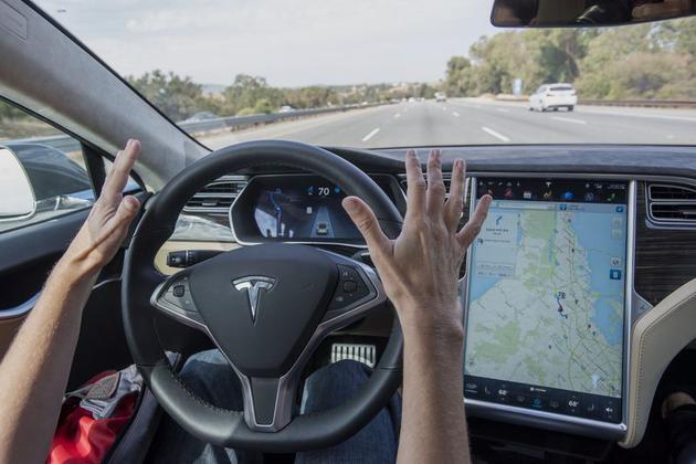 腾讯发现特斯拉Autopilot漏洞 马斯克赞扬:工作扎实